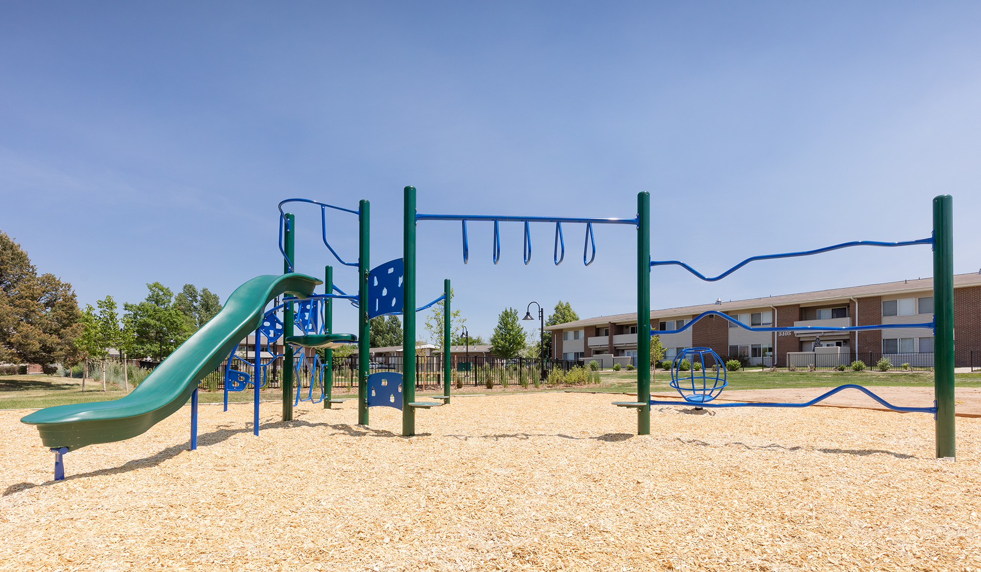 Meadow Creek Apartments - Boulder Creek - playground