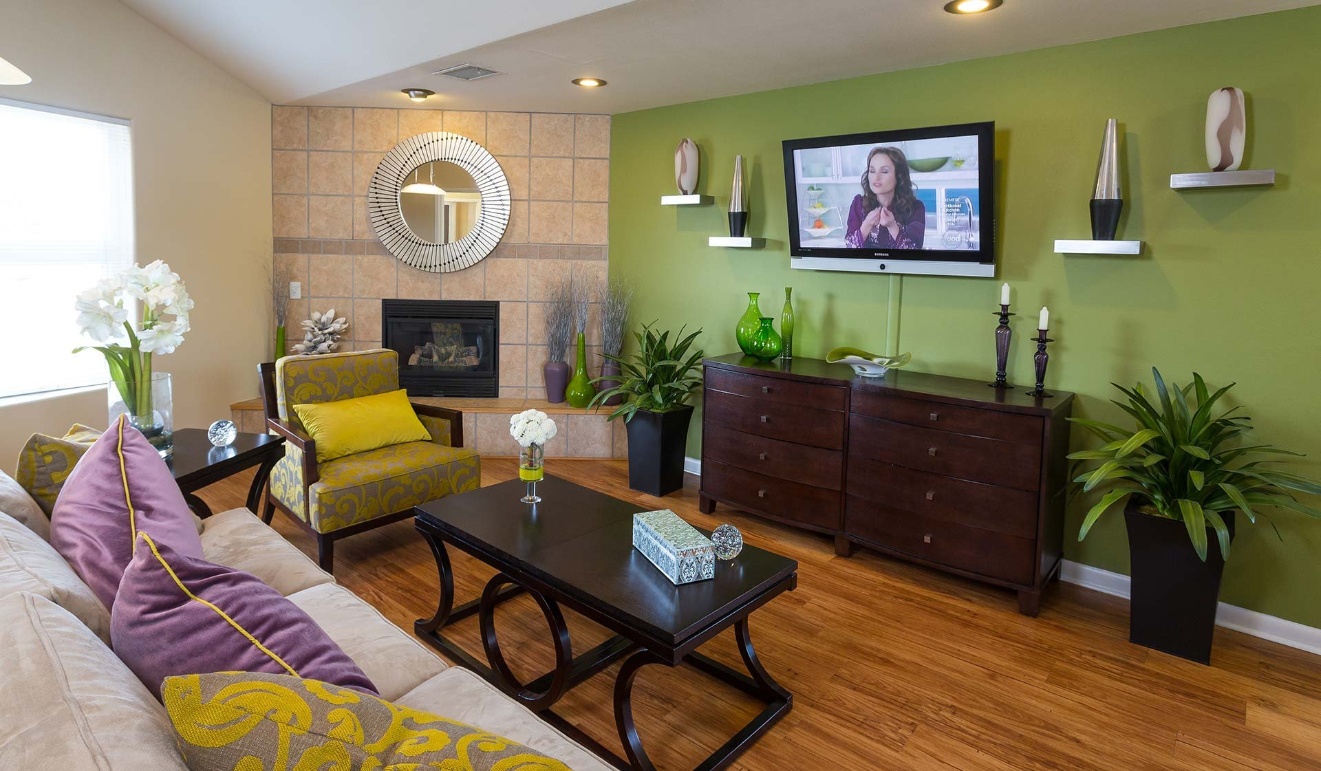 Meadow Creek Apartments - Boulder Creek - clubhouse